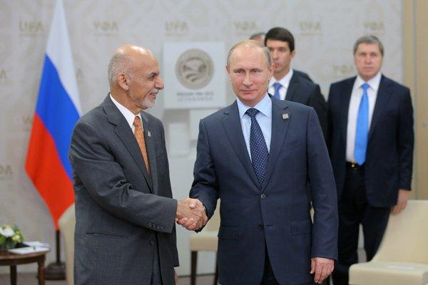 Президенты России и Афганистана на встрече после саммита ШОС, 2015 год.