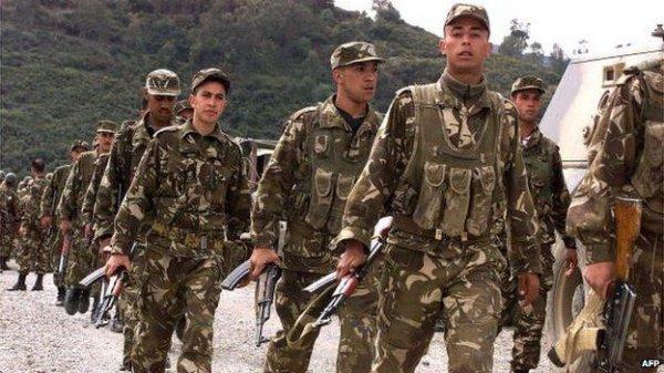 Алжирская армия приведена в состояние полной боевой готовности.