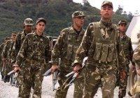 В Алжире объявлено военное положение