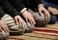 """""""Сколько есть людей читающих Коран, которых Коран проклянет"""""""