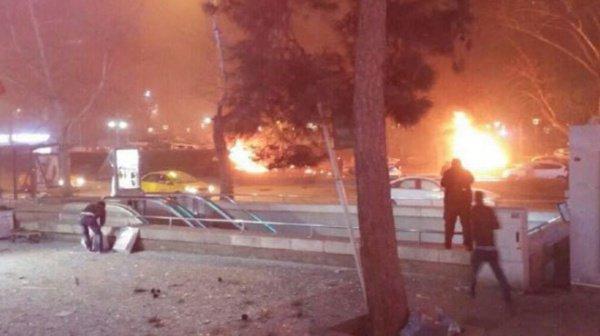 Жертвами теракта в центре Анкары стали 37 человек.