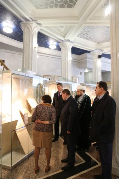 Делегация Волгоградской области в музее исламской культуры.