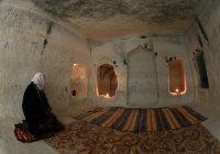 Чтобы попасть в эту мечеть, нужно спуститься на 1500 метров под землю
