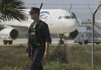Угонщик самолета потребовал освободить женщин из египетской тюрьмы