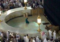 """Кто похоронен перед Каабой в месте под названием """"Хатим""""?"""