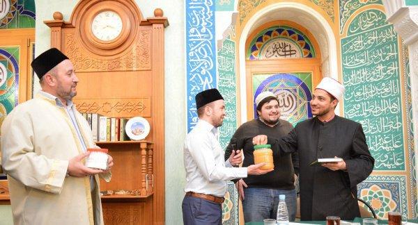 Подарок гостю из Каира от чистопольских мусульман.