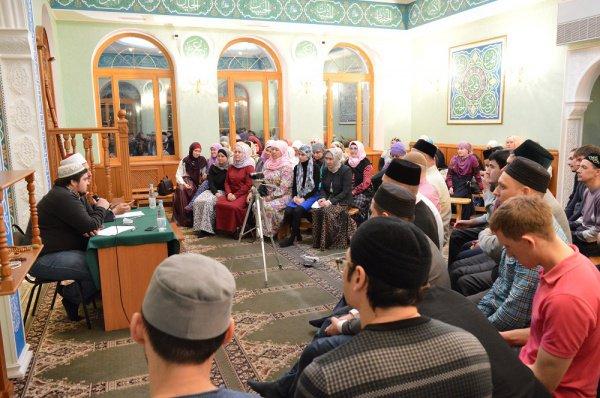 Встреча чистопольских мусульман с преподавателем египетского университета Аль-Азхар.