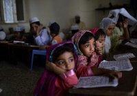 Пакистанских детей учат ненавидеть другие религии – СМИ