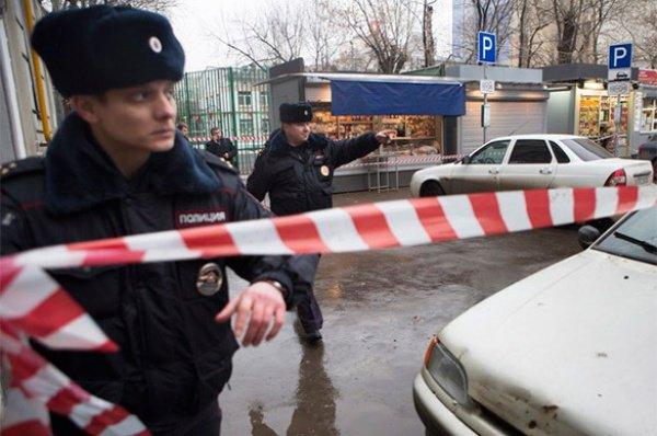 В организации теракта подозреваются двое мужчин.