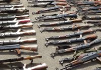 Сирийских боевиков пытаются вернуть к мирной жизни