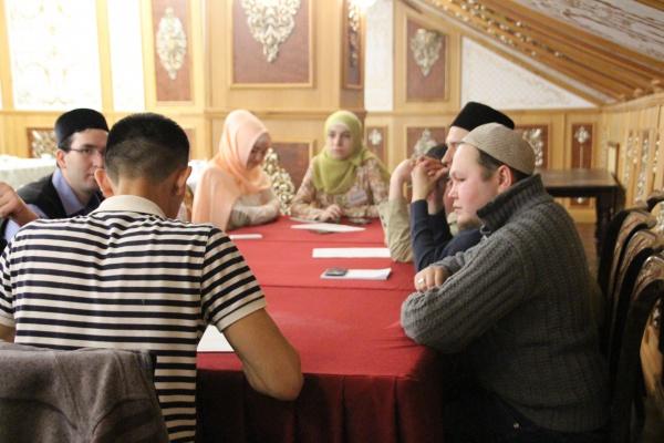 Республиканский дискуссионный клуб: показать лицо истинного ислама