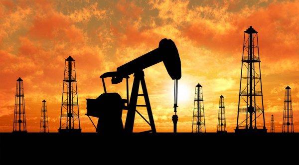 Нефтяные державы несут потери из-за дешевой нефти.
