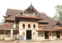 Древнейшая индийская мечеть впервые приняла женщин