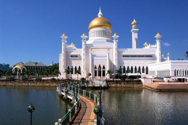Дворец султана Брунея.