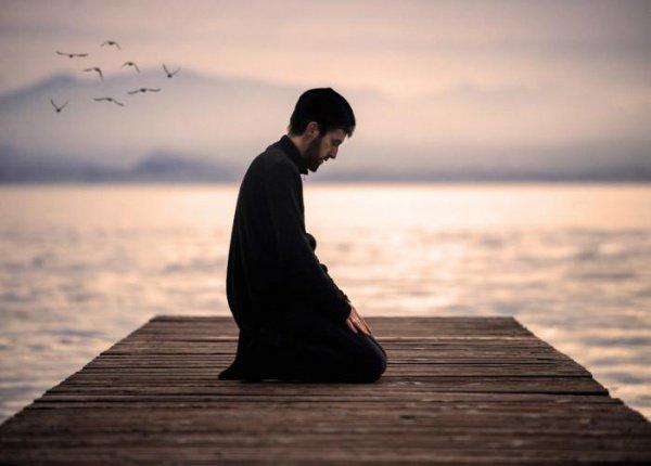 Сердце человека, совершающего пятикратный намаз, наполняется спокойствием