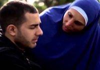 """Исламская линия доверия: """"Может ли сын вмешиваться в мою личную жизнь?"""""""