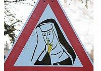 В Италии избавятся от «нетолерантных» дорожных знаков