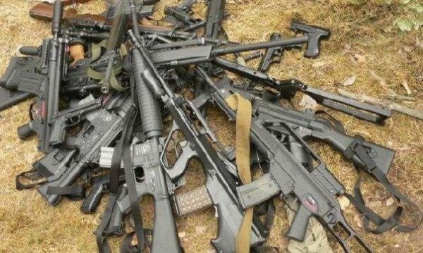Арсенал оружия и боеприпасов.