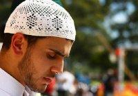 """Исламская линия доверия:""""Мама категорически против того, чтобы я держал пост..."""""""