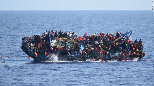 ВМС Италии спасли 13 тыс. мигрантов занеделю
