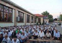 В Узбекистане запретили ифтары в мечетях и кафе