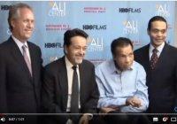 Одно из последних видео Мухаммеда Али