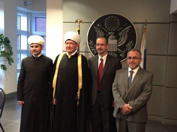 Высокопоставленные участники ифтара.