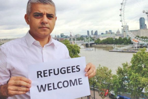 Садик Хан стал первым в истории мусульманином на посту мэра британской столицы.
