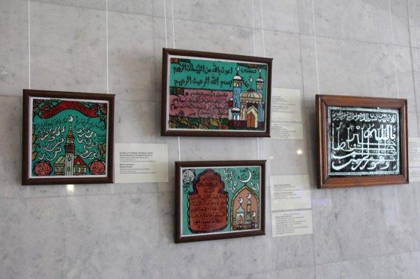 Экспонаты выставки.