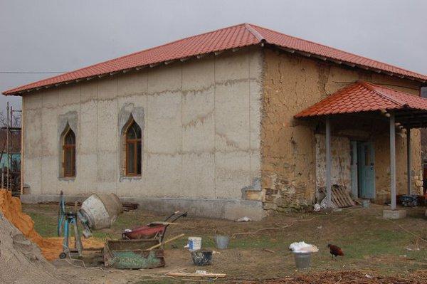 Восстановление старинной мечети.