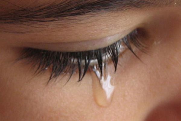 Правда ли, что плач в намазе делает его недействительным?
