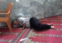 Мусульманам Кувейта запретили спать в мечетях