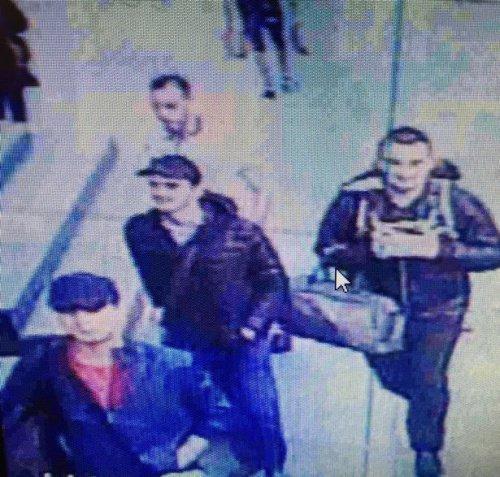 Террористы за несколько минут до атаки.