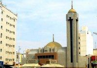 Нужно ли посещать мечеть джинов во время умры или хаджа?