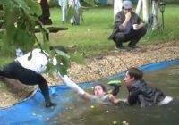 Мусульманин спас тонущего ребенка во время празднования Ураза-байрама (Видео)