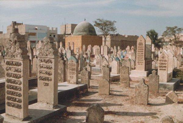 Дни, особенно подходящие для посещения кладбищ