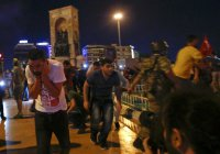 Вертолетный обстрел людей во время попытки переворота в Турции попал на видео (Видео)