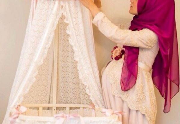 Моя жена беременна, как она должна читать намаз?