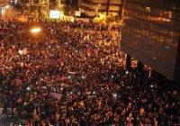 В Турции за день закрыли более 130 СМИ и уволили 1600 военных
