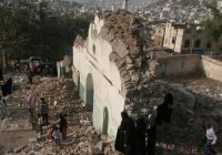 Мечеть XVI века уничтожена в Йемене (Фото)