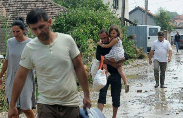 Мощная буря в Македонии (ФОТО)