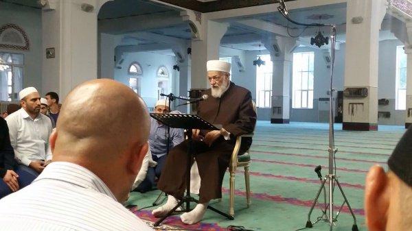 Мустафа Диб аль-Буга ад-Димашки аш-Шафии на лекции в Дагестане.