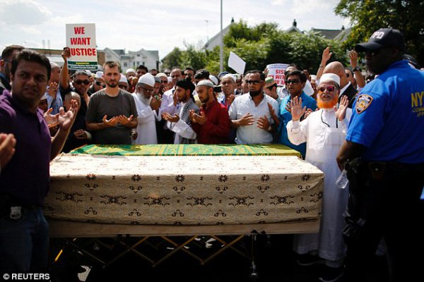 Милиция Нью-Йорка незнает, какими мотивами руководствовался убийца имама