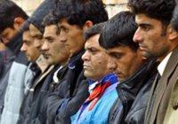 Мигрантам запретили работать учителями и таксистами