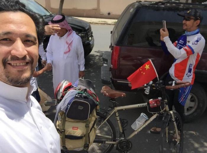 Мусульманин из Китая проехал 8000 км на велосипеде ради совершения хаджа
