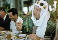 Уникальное фото: советский космонавт Алексей Леонов на приеме у мэра сирийской Латакии