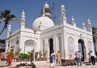 В Индии женщинам разрешили посещать гробницу Хаджи Али