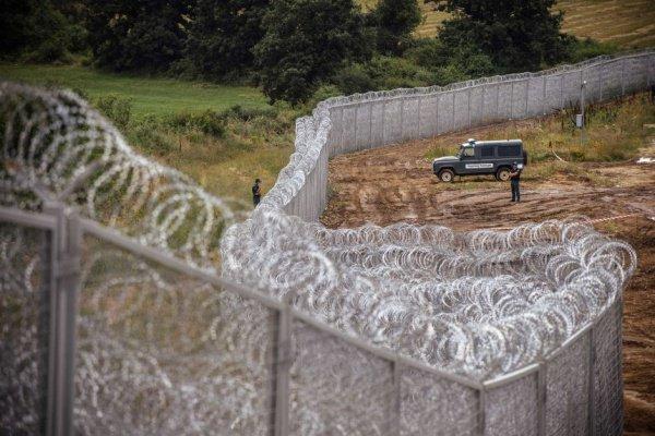 Стена на венгерской границе.