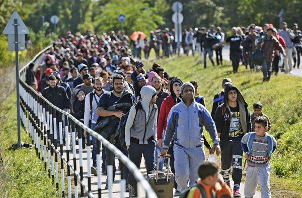 Согласно договору, Чехия должна принять 3 тысячи мигрантов из Турции.