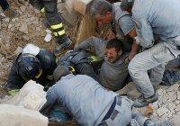 Беженцы помогают устранять последствия землетрясения в Италии